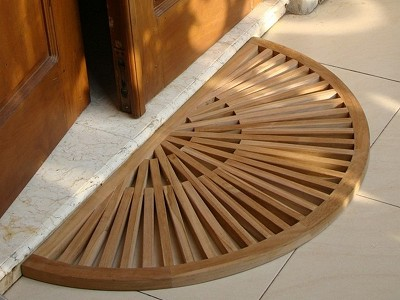 "34"" W x 17"" D x 1"" H SunBurst Teak Shower Mat - Half Circle With Polished Finish"
